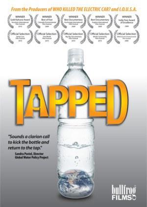 """Proyección de la película """"Tapped"""""""