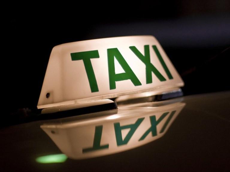 taxi (1).jpg